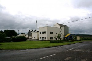 Aultmore Distillery (Source: commons.wikipedia.org, Attribution: Andrew Wood)